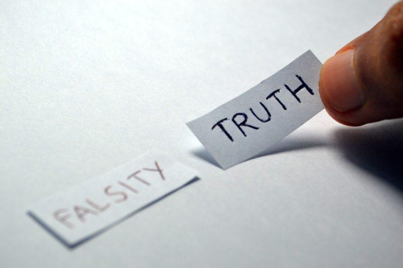 FALSITYとTRUTHの付箋