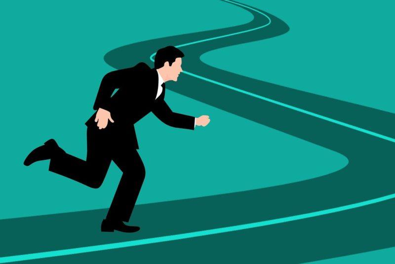 退職後の未来へ向かって走り出す男性のイラスト