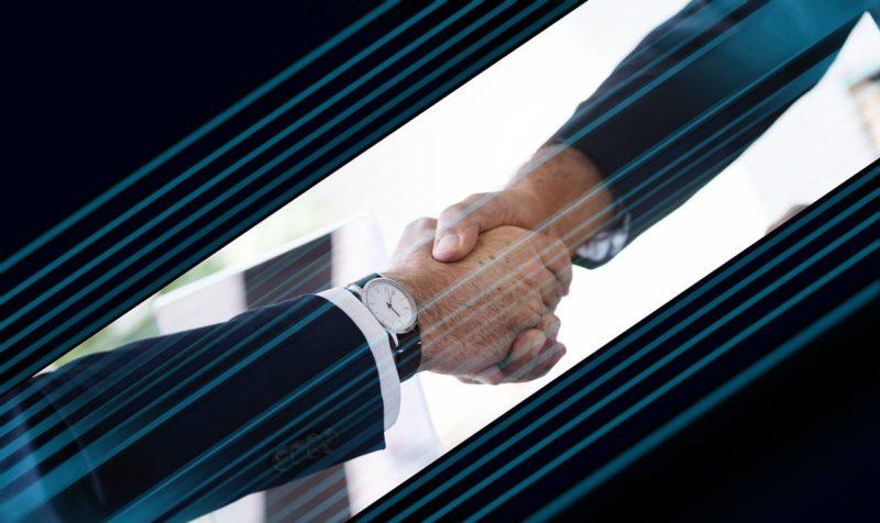 外部の人に直接会って退職の報告をし激励の握手を受ける