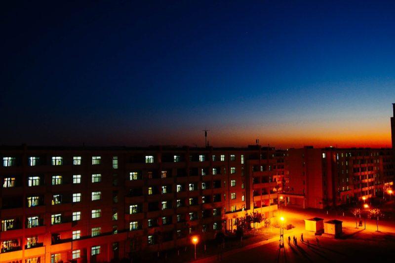 会社の寮の夜景