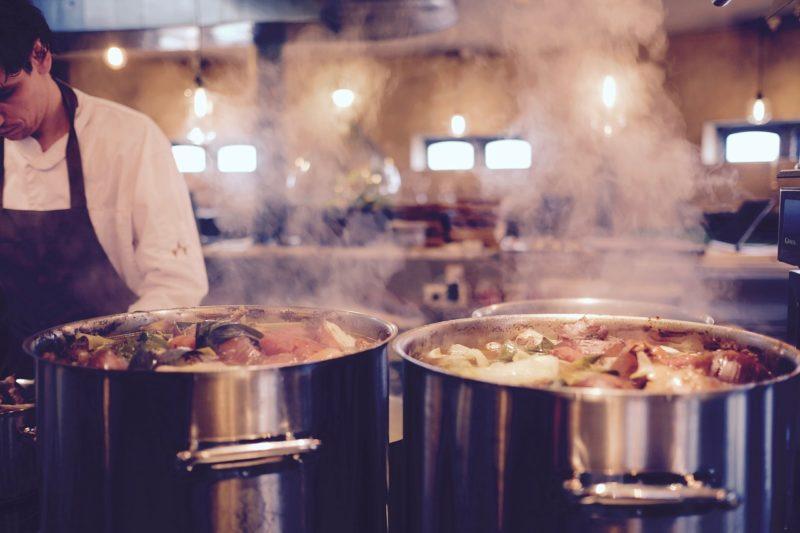バイト先のレストランの厨房